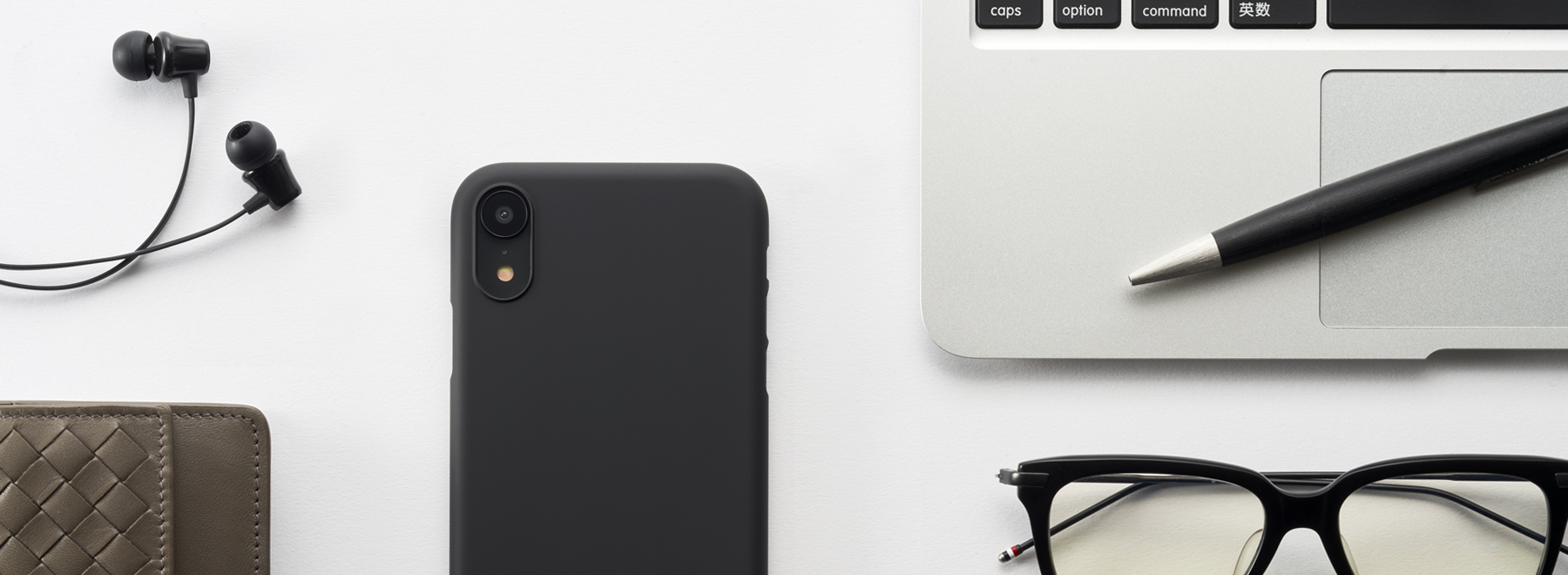 Air Jacket for iPhone XR ライフスタイルフォト