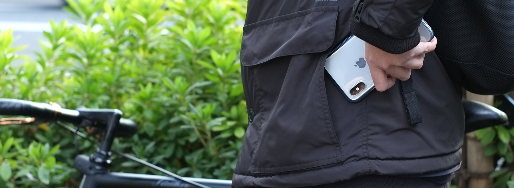 Air jacket Shockproof for iPhone XR ライフスタイルフォト